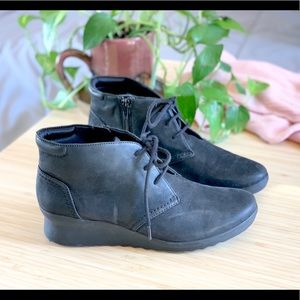 Cloudsteppers x Clark's Caddell Wedge Chukka boots